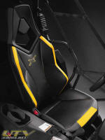 Commander 1000 X Package seat trim and graphics