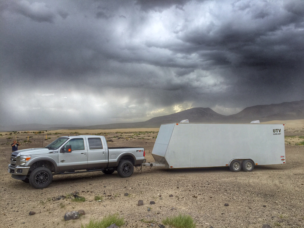 Ford F350 with Air Bags towing enclosed trailer