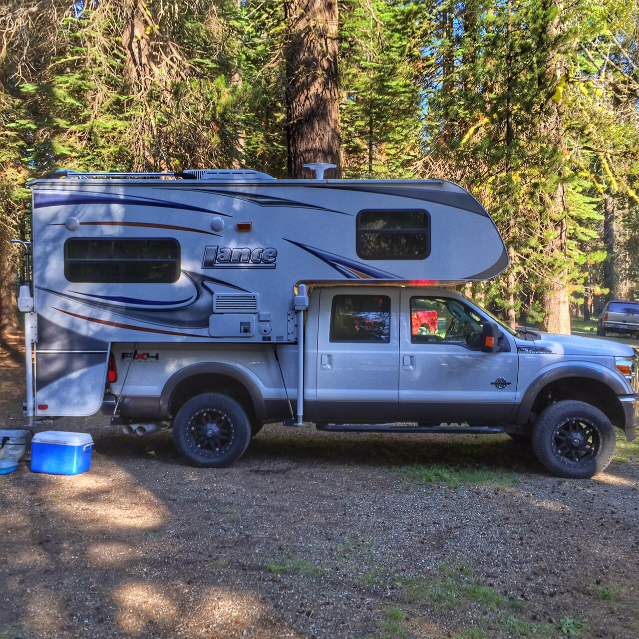 Ford F350 with Lance Camper and Air Spring Kit