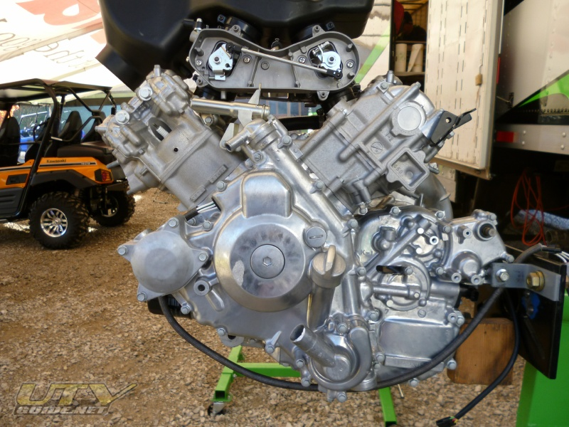 Teryx4's all-new 749cc V-twin four-stroke engine