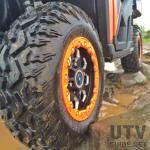 30x10R15 Moto Hammer Tire on Hexlr Beadlock Wheel