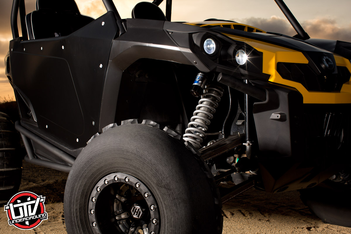 Can-Am Commander 1000X with FOX Shocks and HiPer Wheels